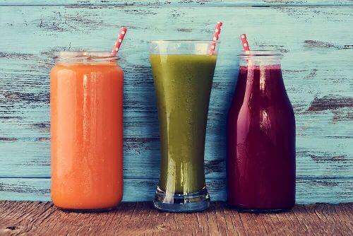 Kolorowe smoothie