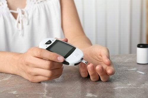 Kontrola cukrzycy typu 2 – jak to zrobić przy pomocy diety