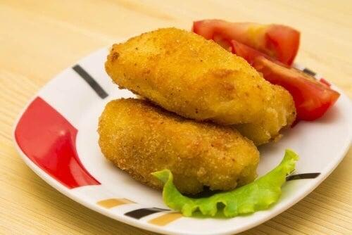 Krokiety z tuńczykiem i serem: pomysł na obiad!