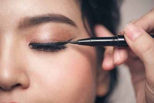 Małe oczy – 5 rzeczy ważnych przy makijażu