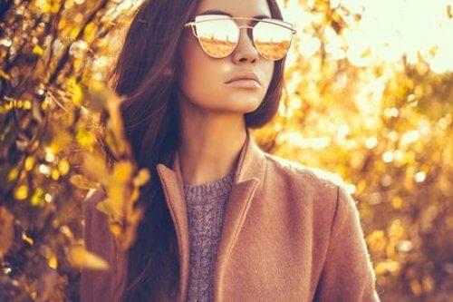 Modne okulary słoneczne.