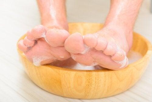 namaczanie stóp