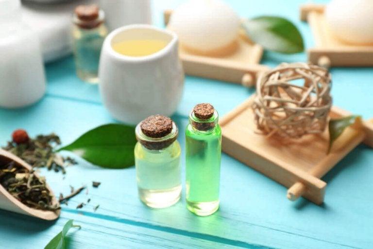 Olejek z drzewa herbacianego.