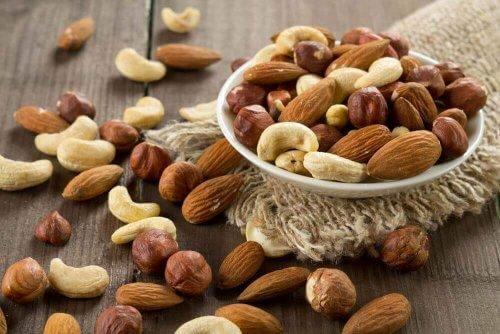Orzechy to świetne źródło błonnika pokarmowego i białka.