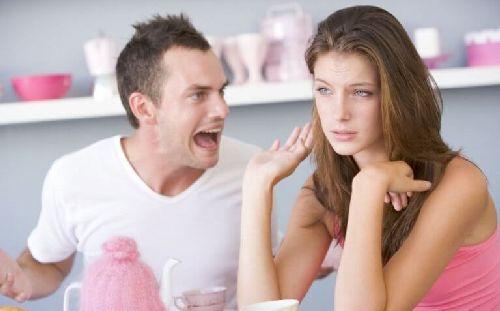 Przemoc słowna ze strony partnera – nie toleruj!