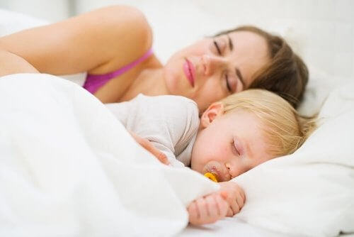 Przespać całą noc - naucz tego swoje dziecko i sama się wyśpij