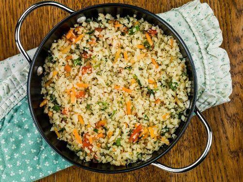 Ryż z kalafiora po meksykańsku: prosty przepis