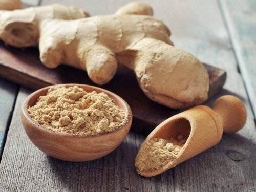 Imbir i olej kokosowy to natychmiastowa ulga dla stóp – taki balsam działa silnie przeciwbólowo.