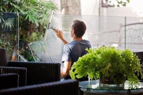 Sztuczki czyszczące – poznaj 5 z nich, jeśli nie lubisz sprzątać
