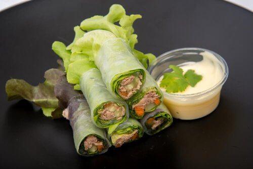 Wraps z sałaty, owoców i warzyw – poznaj 3 wersje