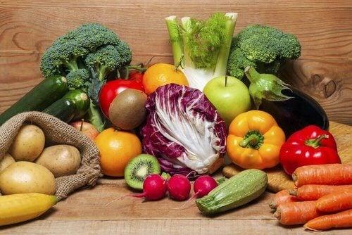 Różnorodne warzywa.