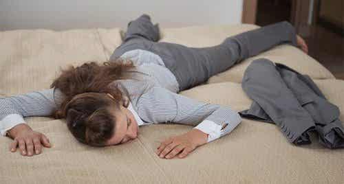Nocne nawyki, które pomogą złagodzić zmęczenie