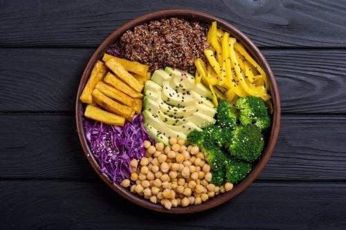Miska zdrowego jedzenia to sposób na odchudzanie bez głodowania