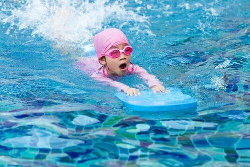 Nauka pływania u dzieci – najlepsze wskazówki