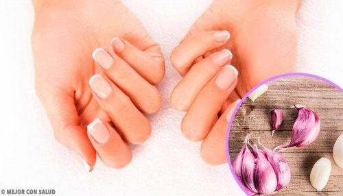 Nawilżone paznokcie - domowe środki pomagające utrzymać je w dobrym stanie