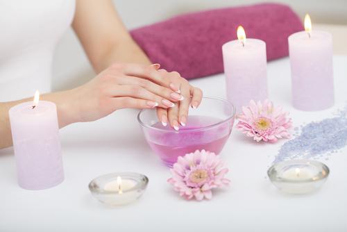 Nawilżone paznokcie - niezbędne składniki odżywcze.