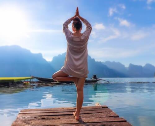 Zalecany czas praktyki jogi – jakie są wytyczne?