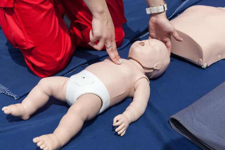 Resuscytacja dziecka - jak ją przeprowadzić?
