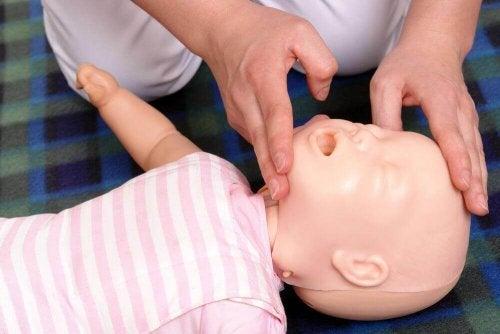 resuscytacja dziecka 4
