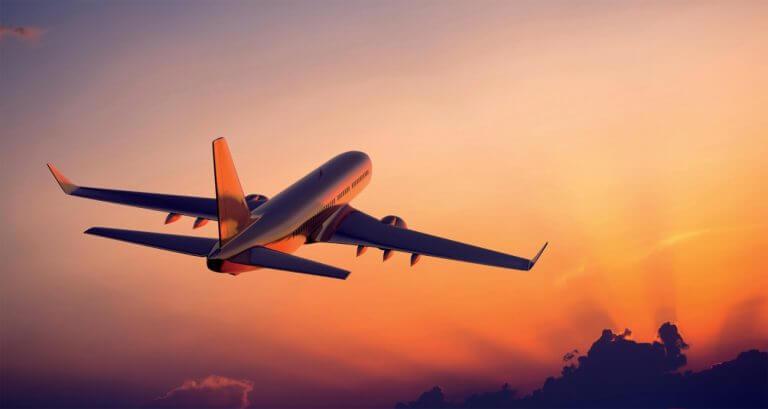 Samolot wieczorową porą