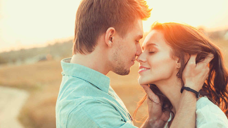 Para w czułych objęciach i trwała miłość