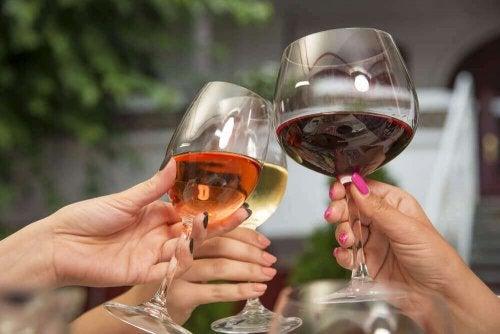 Drogie wino czy tanie – które jest zdrowsze?