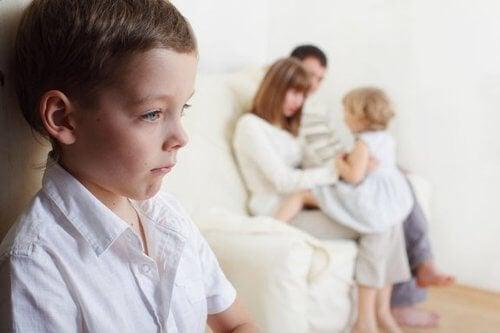 Zazdrość między rodzeństwem – jak sobie z nią radzić?