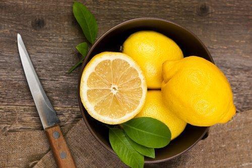 Sok z cytryny to sposób używany od wieków!