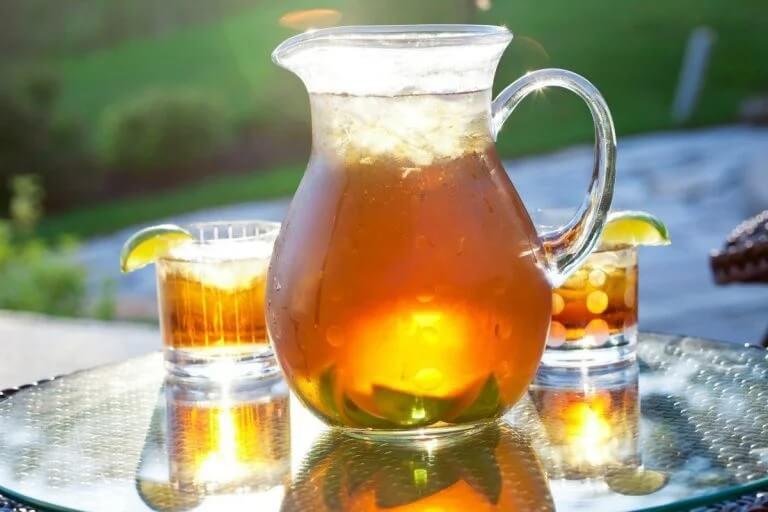 Dzbanek mrożonej herbaty