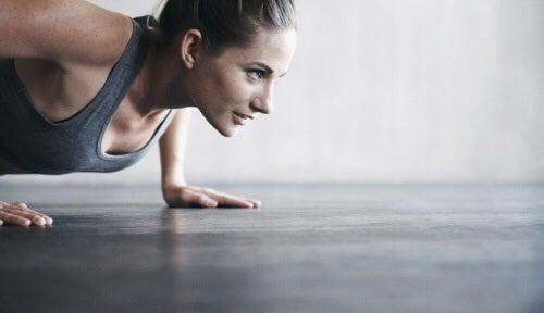 Ćwiczenia regulujące poziom hormonów muszą przede wszystkim trwać odpowiednio długo.