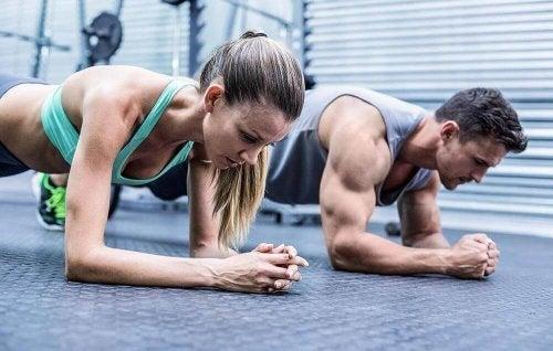 Przeciążenia mięśni - wpływ nadmiernych ćwiczeń