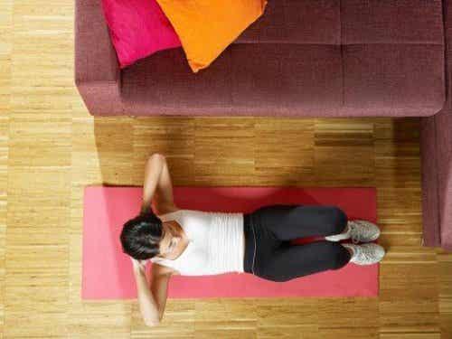 Trening wzmacniający mięśnie brzucha - 5 sposobów