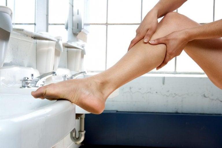 Opuchnięte nogi - 8 wskazówek przynoszących ulgę