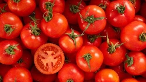 Połączenie gliceryny, cytryny i pomidorów da Ci natychmiastowe efekty!