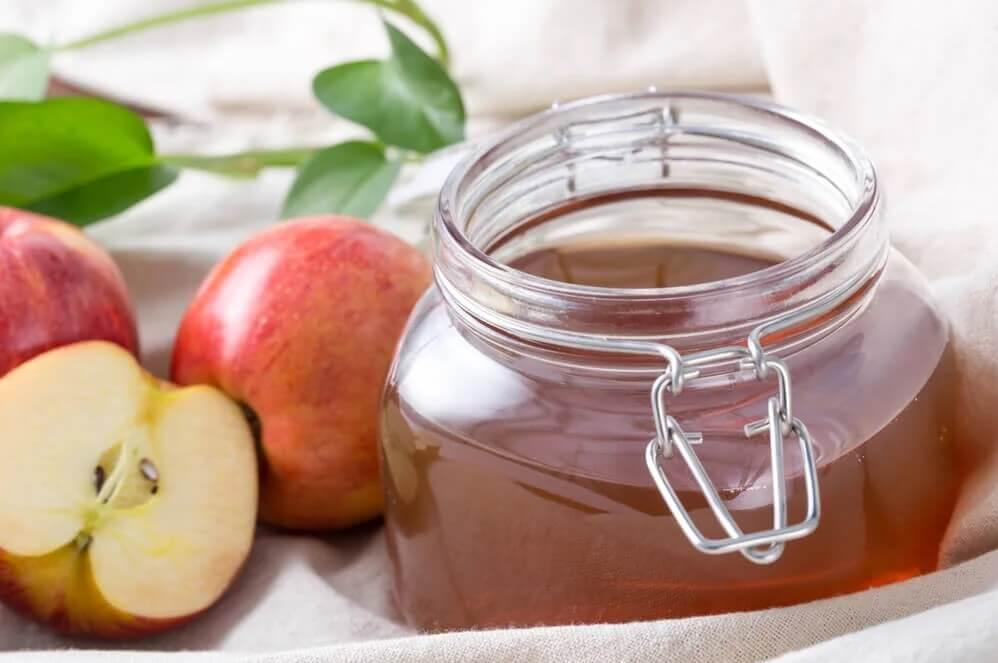 Domowej roboty ocet jabłkowy