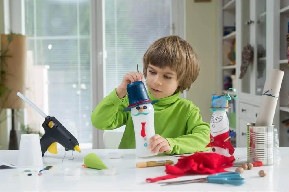 Dziecko samo robi prezenty