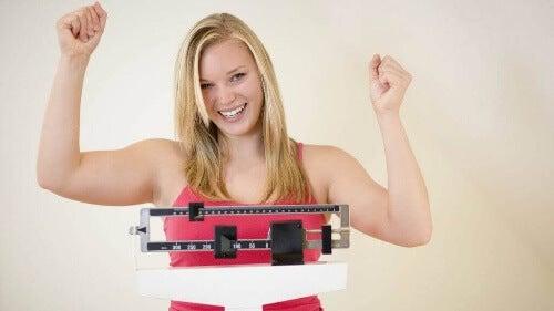 Ograniczenie cukru w diecie pozwoli Ci wreszcie schudnąć.
