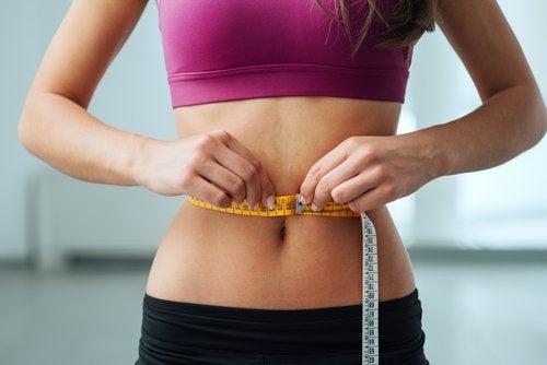 Korzyści z diety ketogenicznej są przede wszystkim związane z możliwością łatwiejszego odchudzania.