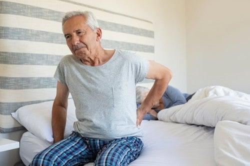 Łuszczycowe zapalenie stawów - 5 wskazówek, jak lepiej spać