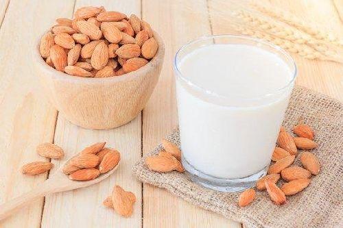 Mleko migdałowe to świetny sposób na odchudzanie!