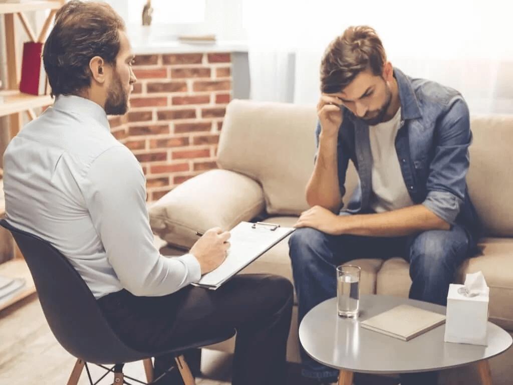 jak pomóc osobie z problemami emocjonalnymi