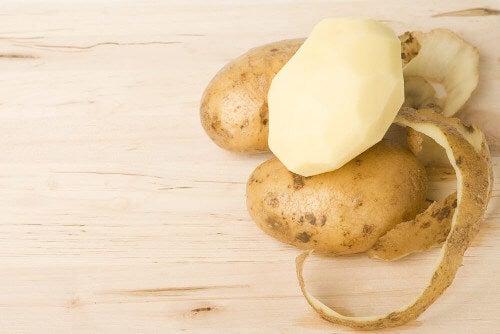 Skórka z ziemniaka – 4 lekarstwa, których nie możesz przegapić