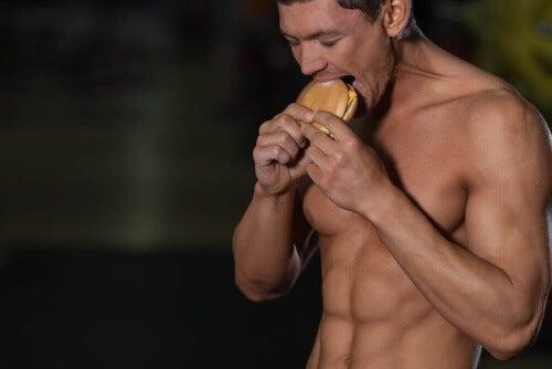 Wokół tematu ćwiczeń i żywienia krąży wiele mitów.