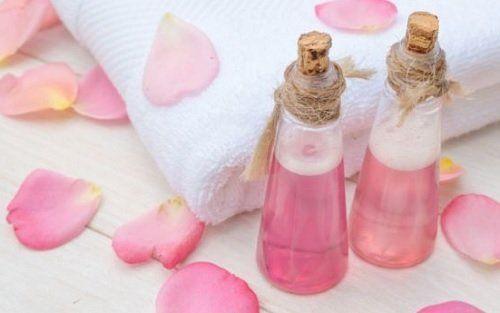 Woda różana tonik rozjaśniający skórę