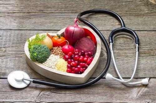 Zawyżony cholesterol – 5 domowych mikstur do jego kontroli