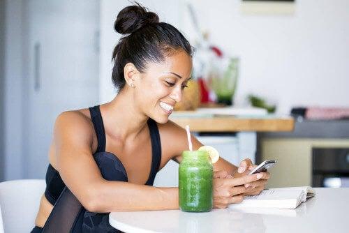 Zmniejszyć obwód pasa – 5 soków, które Ci w tym pomogą