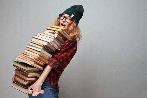 Chroń okładki książek przed zniszczeniem.