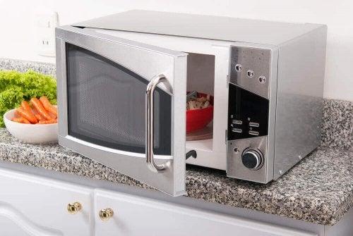 Czy gotowanie potraw w mikrofalówce jest zdrowe?
