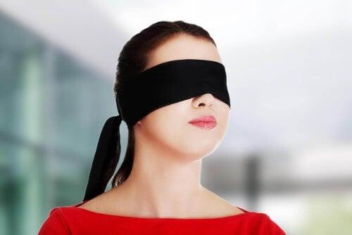 Wiele osób wypiera ze świadomości to, czego nie może lub też nie chce zaakceptować.
