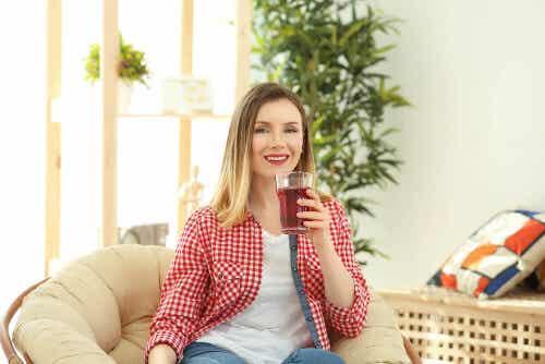 Czerwona herbata: napój, który pomaga schudnąć